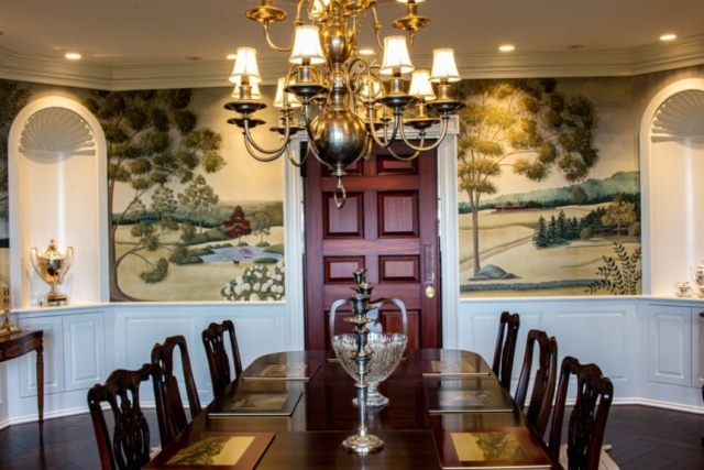 Dining room table & chandelier