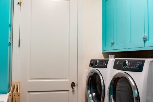 Laundry room cupboards and appliances
